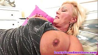Bigtits granny sucks cock..