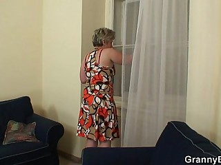 Lonely granny gets screwed..