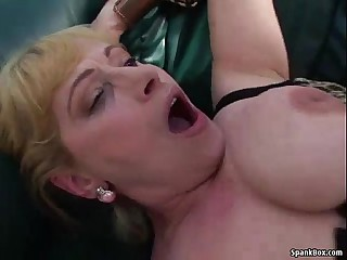 Busty mature gets her pussy..