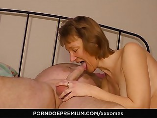 XXX OMAS - Amateur German..