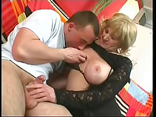 Blonde granny gets her cunt..