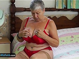EuropeMature Granny Savana..