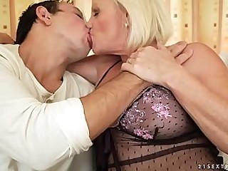 Granny sex machine Anett