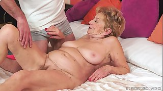 Kinky old granny Malya loves..