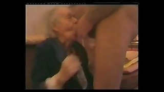 VERY OLD GRANNY SUCK DICK..