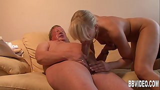 German couple fucking for an..
